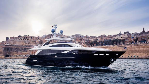 Princess 30M motoryacht Princess 30m 2019 side profile sistership