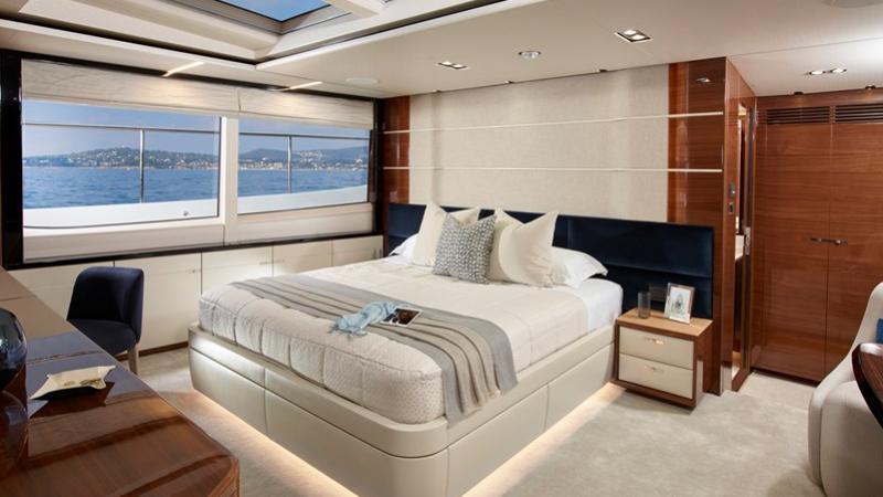 Princess 30M motoryacht Princess 30m 2020 master sistership