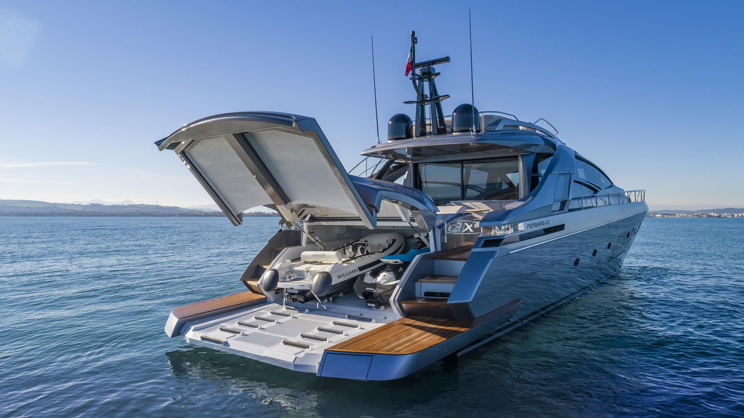 pershing 8x motoryacht pershing 25m 2019 stern
