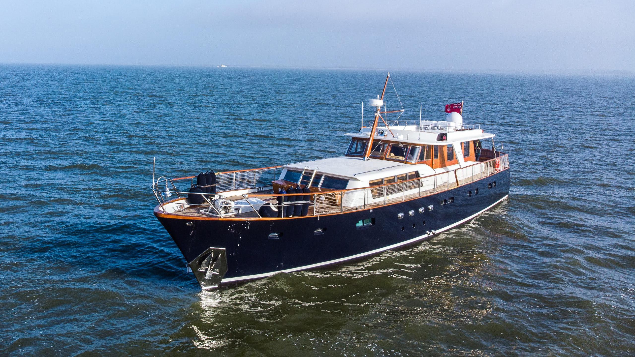 caravelle motoryacht feadship 24m 1965 half profile