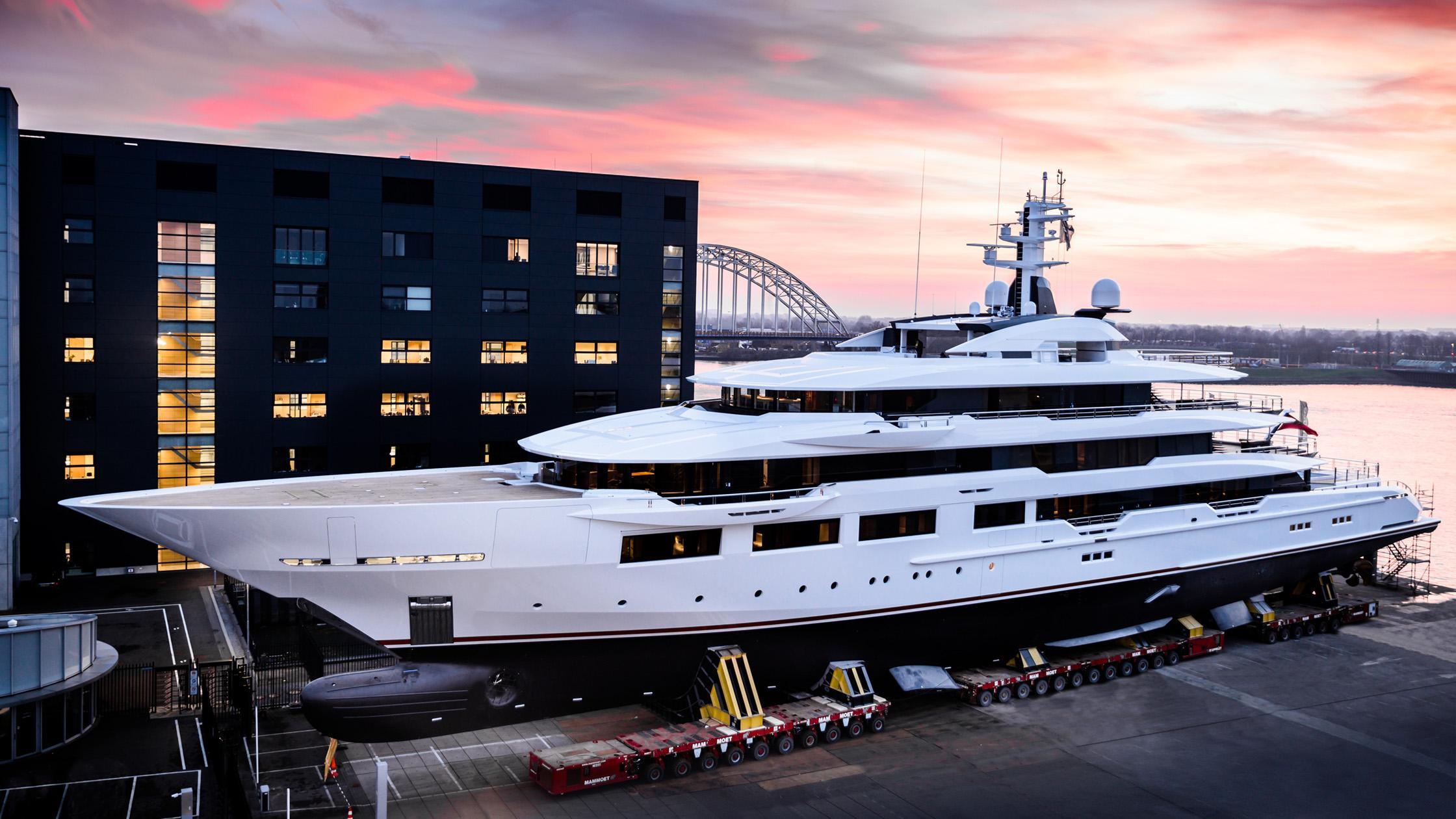 dreamboat y716 motoryacht oceanco 90m 2019 launch half profile