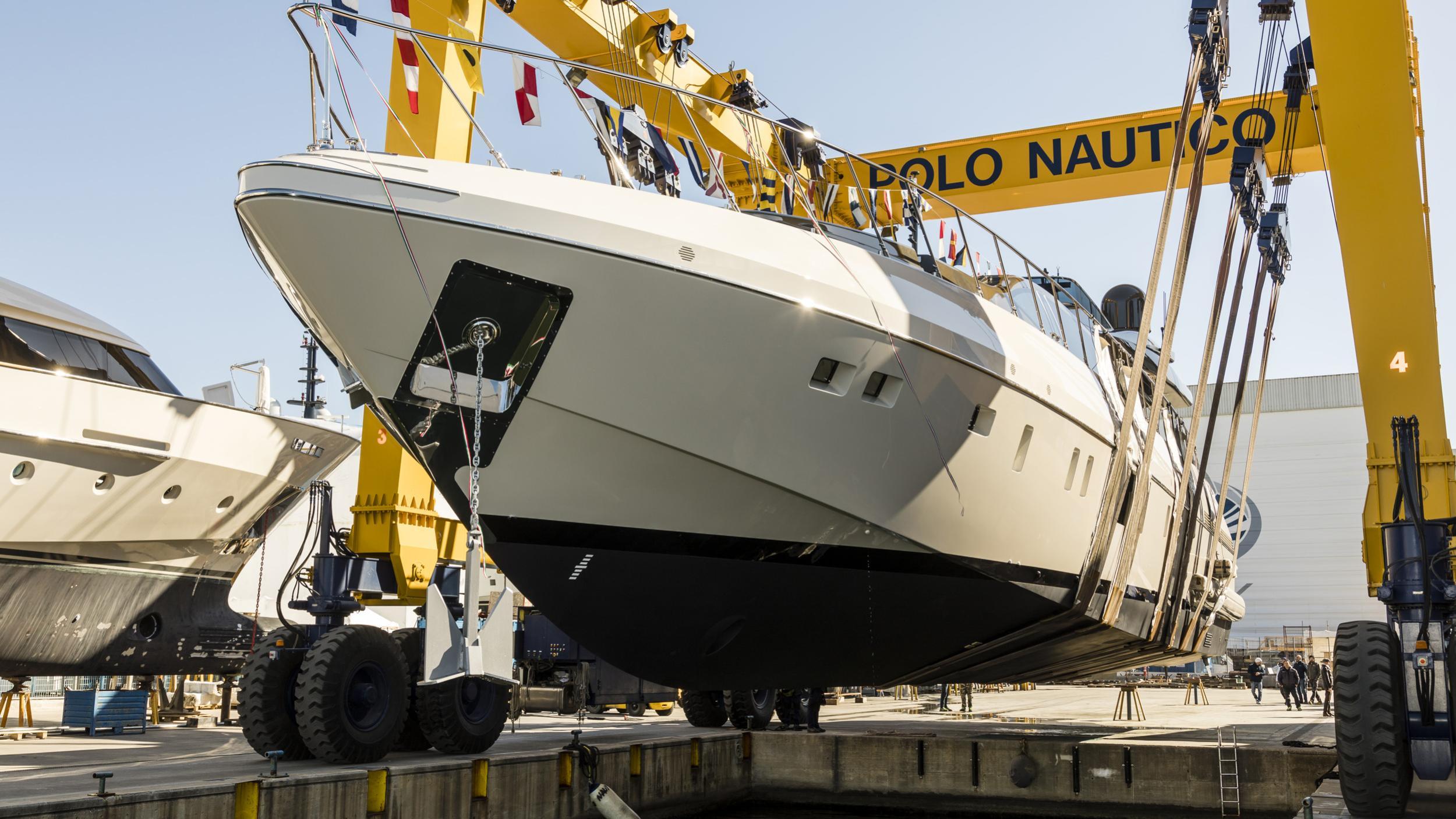 mangusta 110 hull 4 motoryacht overmarine 34m 2019 launch half profile