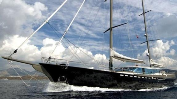 Super Yacht Tiger