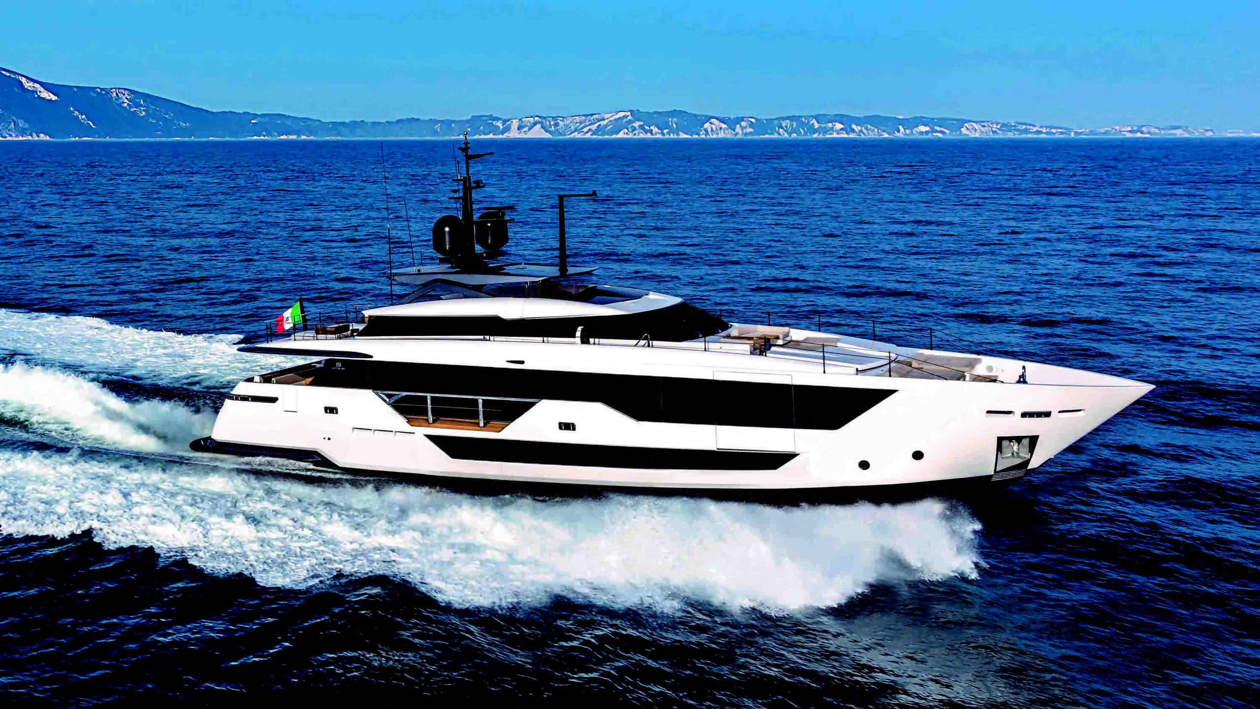 al-mohammady-motoryacht-ferretti-custom-line-106-33m-2019-half-profile-sistership